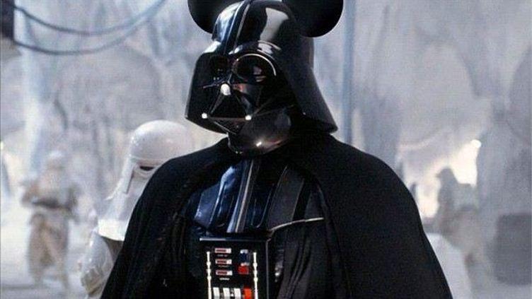 Montage réalisé par des internautes après l'annonce du rachat de Lucasfilm par Disney, le 30 octobre 2012. (FRANCETV INFO)