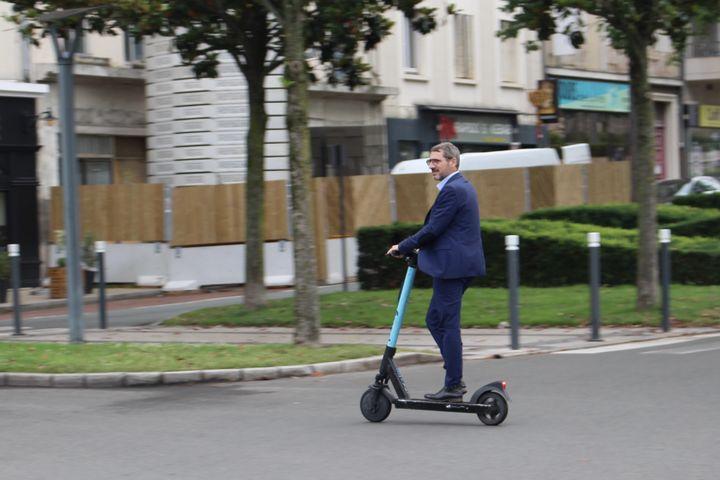 Matthieu Orphelin, candidat aux régionales, à Angers, le 22 juin 2021. (ROBIN PRUDENT / FRANCEINFO)