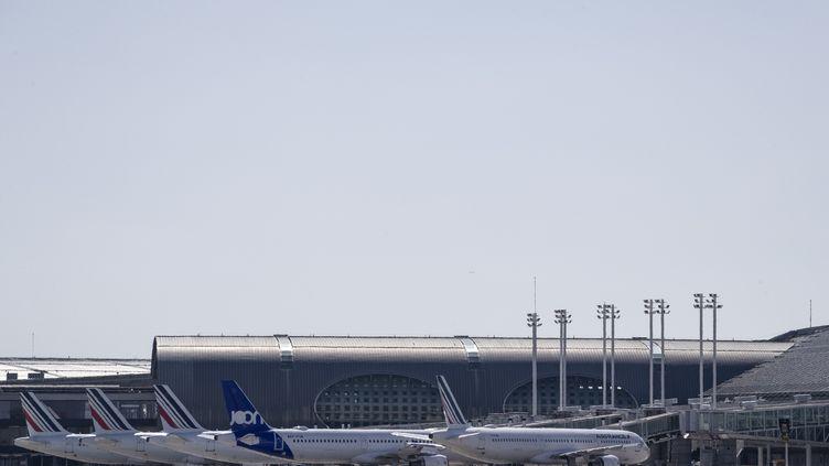Aéroport de Roissy-Charles de Gaulle, le 24 mars 2020, au 8e jour de confinement. (THOMAS SAMSON / AFP)