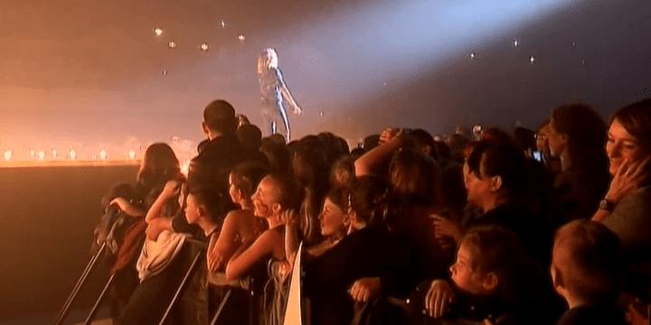 A chaque concert, des milliers de fans répondent présent.  (France 2)