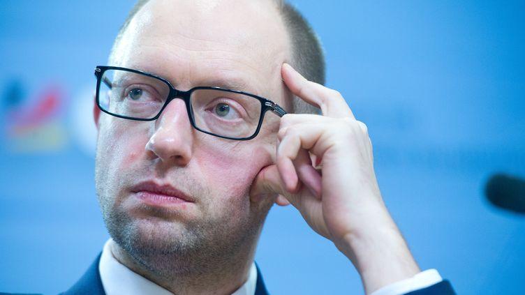 Arseni Iatseniouk, alors leader de l'opposition ukrainienne, le 17 février 2014, à Berlin (Allemagne). (MAURIZIO GAMBARINI / DPA / AFP)