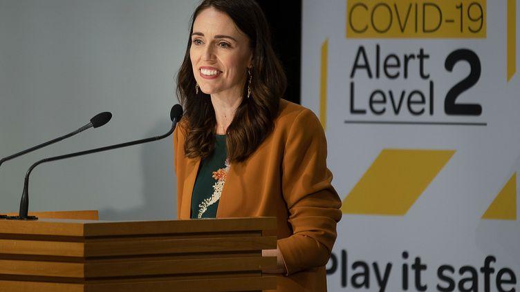 La Première ministre néo-zélandaise Jacinda Ardern, lors d'une conférence de presse à Wellington (Nouvelle-Zélande), le 8 juin 2020. (MARTY MELVILLE / AFP)