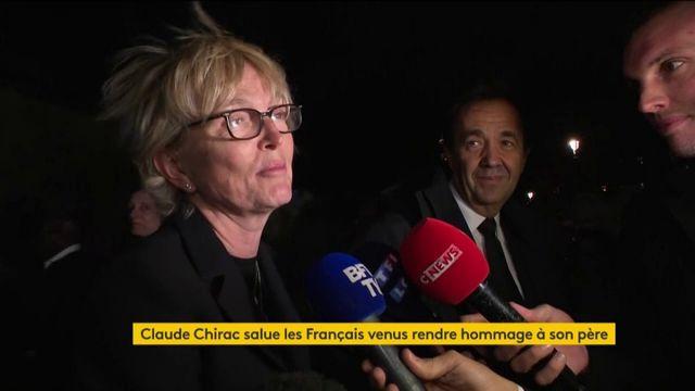 """L'hommage """"bouleversant"""" rendu par les Français à Jacques Chirac"""