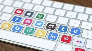 Selon l'ONG Freedom House, les réseaux sociaux sont de plus en plus ciblés par les gouvernements. (AYTAC UNAL / ANADOLU AGENCY / AFP)