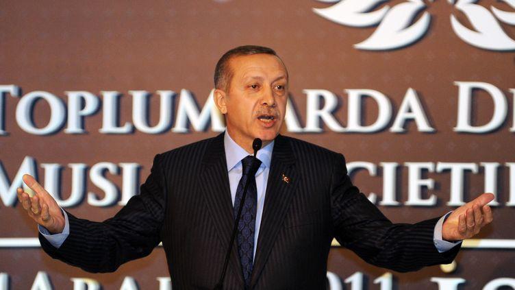 Le Premier ministre turcRecep Tayyip Erdogan lors d'une conférence à Istanbul (Turquie) le 23 décembre 2011. (BULENT KILIC / AFP)