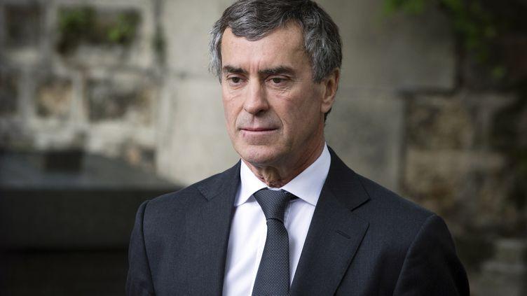 L'ancien ministre du Budget, Jérôme Cahuzac, assiste aux obsèques du professeur Guy Carcassonne, le 3 juin 2013, à Paris. (JOEL SAGET / AFP)