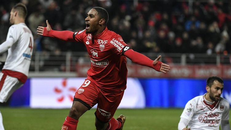 La joie de Wesley Saïd, auteur du 3e but de Dijon devant Bordeaux
