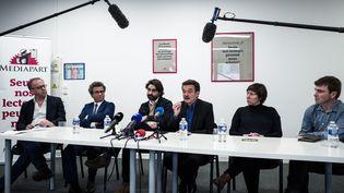 Des journalistes de Mediapart lors d'une conférence de presse, à Paris, le 4 février 2019. (PHILIPPE LOPEZ / AFP)