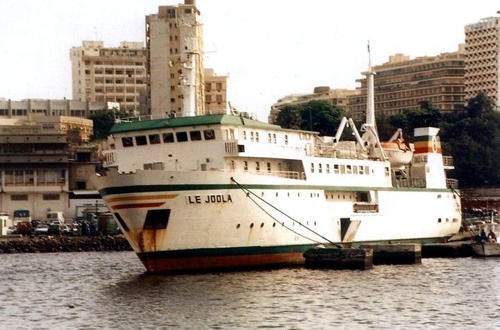 LeJoola, dans le port de Dakar (AFP)