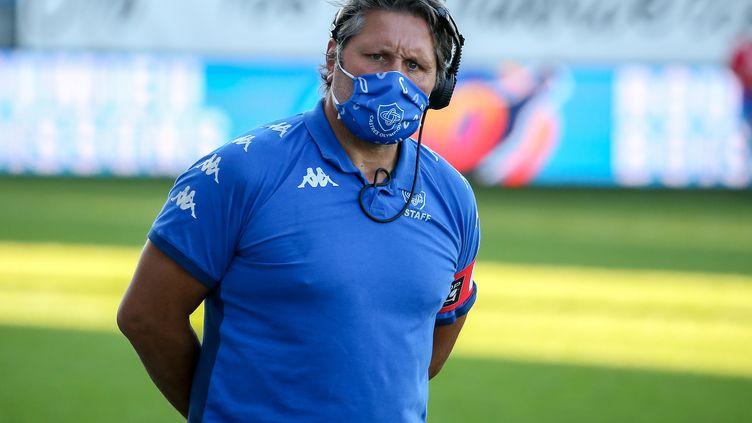 L'entraîneur du Castres Olympique Mauricio Reggiardo lors du match de Top 14 contre le Stade Français (FREDERIC SCHEIBER / AFP)