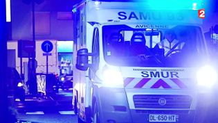 Un véhicule du Smur arrive à l'hôpital Avicenne de Bobigny (Seine-Saint-Denis). ( FRANCE 2)