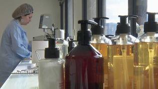 Coronavirus: les ventes de savon explosent (FRANCE 2)
