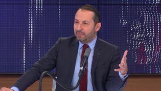 Sébastien Chenu, porte-parole du Rassemblement national, le 18 novembre 2020 sur franceinfo. (FRANCEINFO / RADIOFRANCE)