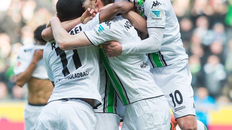 Les joueurs de Mönchengladbach ont le vent en poupe (BERND THISSEN / DPA)