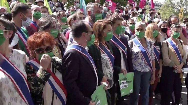 Climat : le référendum sur la Constitution va-t-il avoir lieu ? (FRANCEINFO)