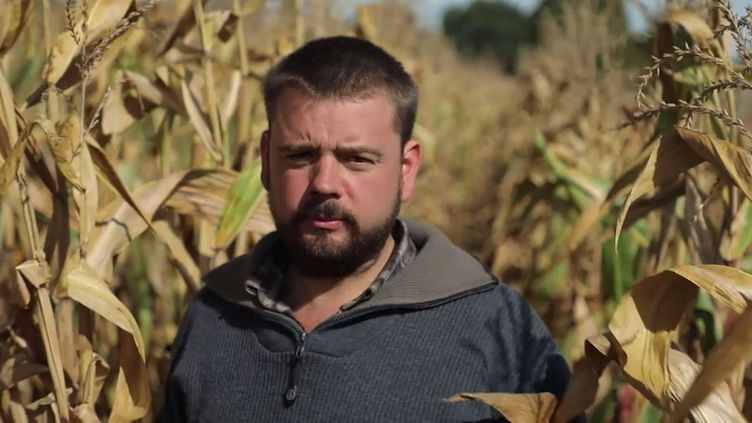 """Thomas, un agriculteur agressé pour son usage des pesticides, interrogé par """"Envoyé Spécial"""" pour son émission du 24 octobre. (FRANCE 2)"""