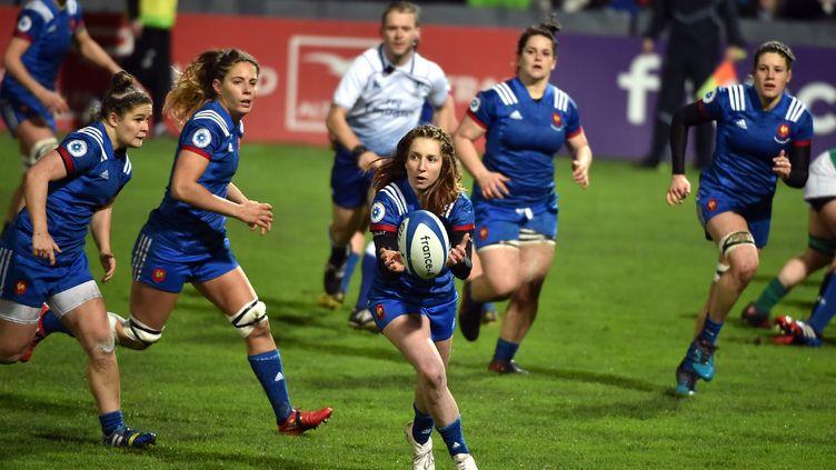 L'équipe de France de rugby, face à l'Irlande, le 3 février 2018 à Toulouse. (REMY GABALDA / AFP)