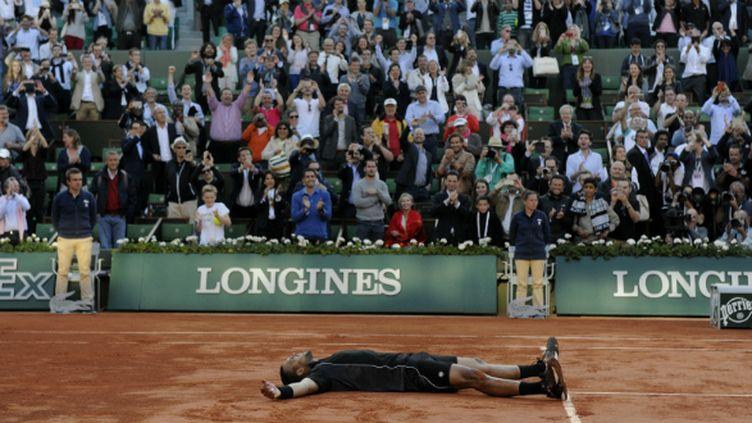 Jo-Wilfried Tsonga, allongé sur le court central, restera le plus beau souvenir français de la quinzaine