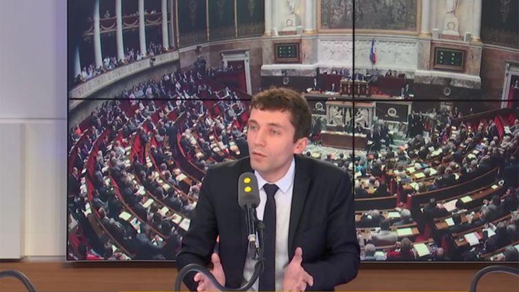 Le porte-parole du Front national (FN), Julien Sanchez, invité samedi 21 avril de franceinfo. (RADIO FRANCE / FRANCE INFO)