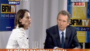 Ségolène Royal et François Bayrou sur le plateau de BFM-TV le 28 avril 2007. (AFP PHOTO VIDEOGRAB (BFM TV / AFP))
