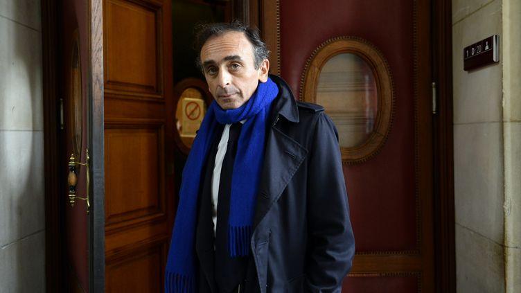 Eric Zemmour au palais de Justice de Paris, le 6 novembre 2015. (BERTRAND GUAY / AFP)