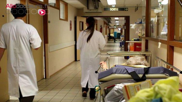 Selon la Fédération hospitalière de France, en 2017, le déficit des hôpitaux publics s'est établi à 1,5 milliard d'euros.