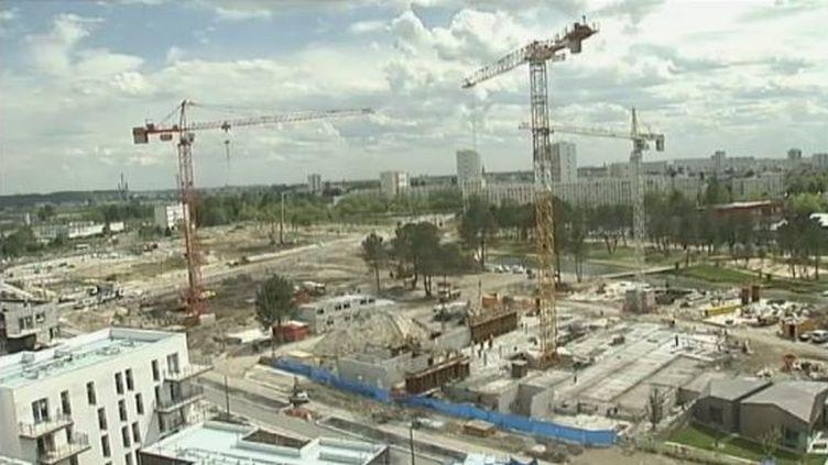 Des chantiers de construction de logements neufs à Bordeaux (Gironde). (FTVI / FRANCE 2)