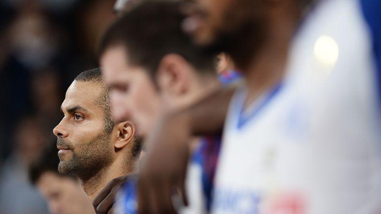Le Français Tony Parker, lors du match amical entre l'Ukraine et la France, à Nantes (Loire-Atlantique), le 14 août 2015. (JEAN-SEBASTIEN EVRARD / AFP)