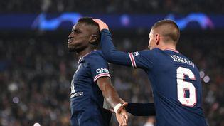 Idrissa Gueye et Marco Verratti ont eu un rôle primordial dans la victoire du Paris Saint-Germain contre Manchester City en Ligue des champions le 28 septembre 2021. (FRANCK FIFE / AFP)