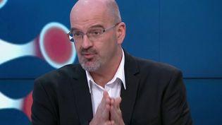 Covid-19 : les chiffres de l'épidémie sont-ils en baisse ? (France 2)