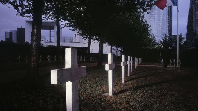 Les services funéraires de la Ville de Paris proposent une offre de base à 789 euros TTC, contre 3 000 euros en moyenne. (SAYURI LIMITED / ESCH COLLECTION / GETTY IMAGES)