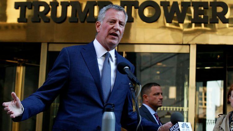 Le maire de New York, Bill de Blasio, le 16 novembre 2016, à New York (Etats-Unis). (BRENDAN MCDERMID / REUTERS)