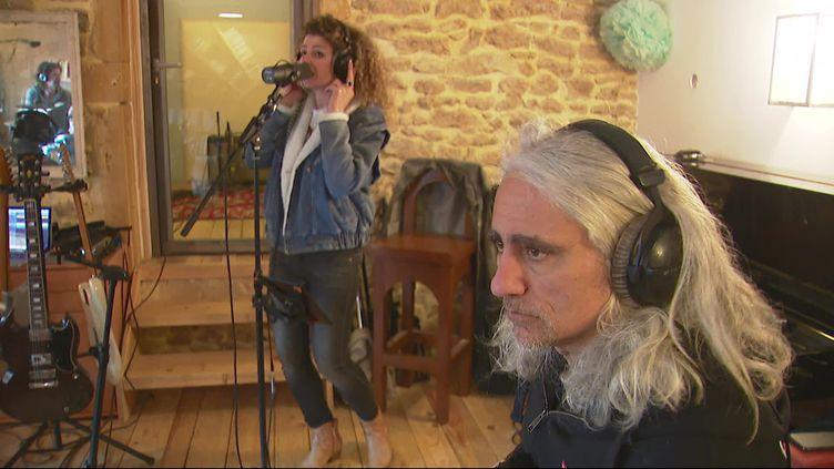 Le groupe Identity en répétition avant l'enregistrement de leur dernier album (B.Métral / France Télévisions)