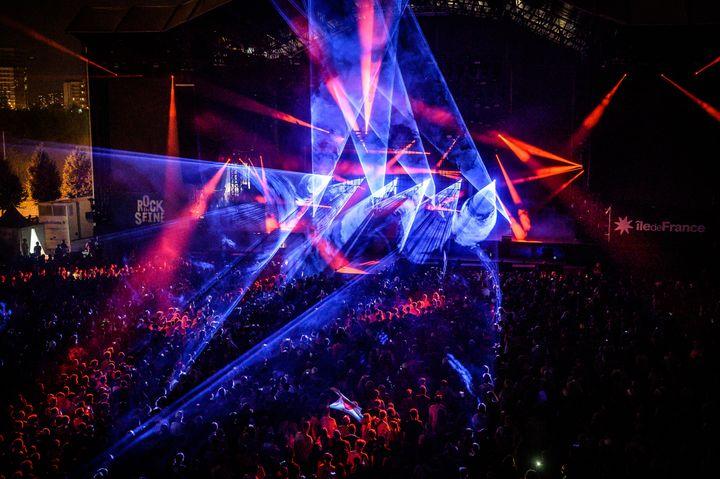 Les incroyables effets visuels du duo Aphex Twin qui ont clôturé le festival. (OLIVIER HOFFSCHIR)
