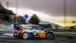 Thierry Neuville (Toyota) sur la route du rallye d'Espagne, le 17 octobre 2021. (NIKOS KATIKIS / NIKOS KATIKIS)