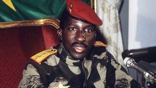 Thomas Sankara, le père de la révolution burkinabè, au cours d'une conférence de presse le 7 février 1986 à Paris. (Photo AFP/Pascal George)