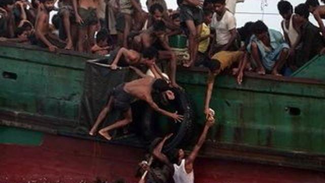Les migrants birmans rejetés en mer