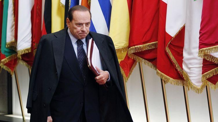 Le président du conseil italien, Silvio Berlusconi, à Bruxelles (Belgique) lors du sommet européen du 26 octobre 2011. (FRANCOIS LENOIR / REUTERS)