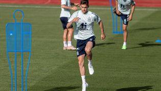 Diego Llorente à l'entraînement avec la Roja pour préparer l'Euro. (RODRIGO JIMENEZ / EFE)