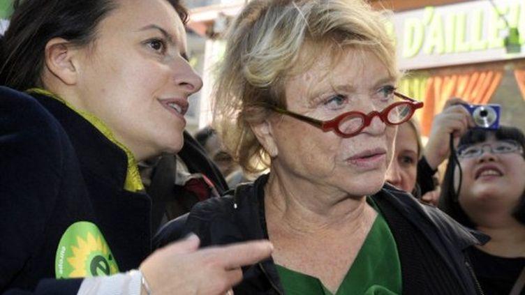 Cécile Duflot, secrétaire nationale d'Europe écologie-Les Verts et Eva Joly, candidate du parti à la présidentielle (AFP)