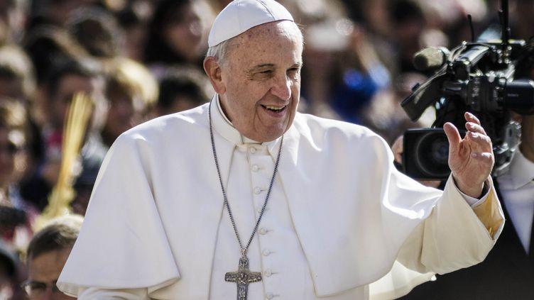 Le pape François, le 1er avril 2015, au Vatican. (GIUSEPPE CICCIA / NURPHOTO / AFP)