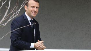 Emmanuel Macron visite un établissement de l'Institut national de la recherche agronomique,à San Giuliano (Haute-Corse), le 7 février 2018. (LUDOVIC MARIN / AFP)