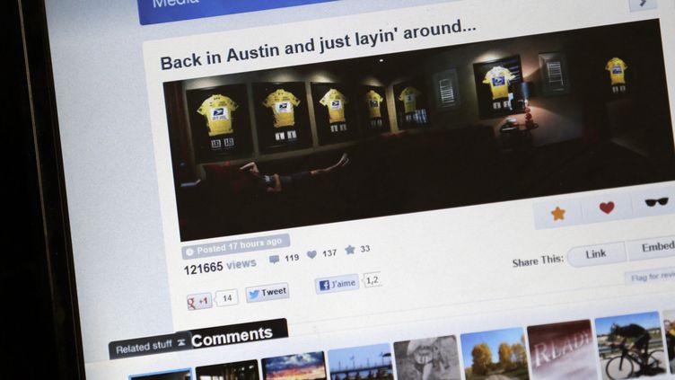 Capture d'écran de la photo polémique postée le 10 novembre 2012 par Lance Armstrong sur son compte Twitter. (KENZO TRIBOUILLARD / AFP)