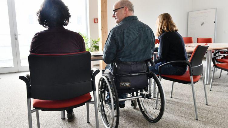 Le taux de chômage des personnes handicapées a baissé d'un point en un an, de 17% en 2018 à 16% en 2019. (FRANK MAY / PICTURE ALLIANCE / AFP)