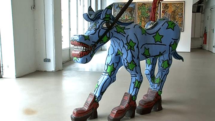 """""""Nos Amis no"""", sculpture de Robert Combas  (France 3 / Culturebox)"""