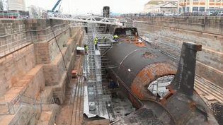 """""""Le Tonnant"""", l'un des premiers sous-marins nucléaires français, est démantelé en ce moment à Cherbourg (Manche). (FRANCE 3)"""