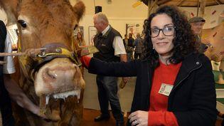 La dessinatrice Corinne Rey, dite Coco, a reçu le prix de l'Humour vache au salon de Saint-Just-le-Martel, le 3 octobre 2015  (Pascal Lachenaud / AFP)