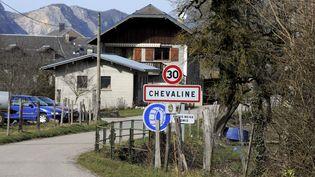 L'entrée du village de Chevaline (Haute-Savoie), le 18 février 2014. (JEAN-PIERRE CLATOT / AFP)