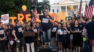 L'actrice, comédienne et personnalité de télévision Rosie O'Donnell lance une vindicte anti-Trump devant la Maison Blanche à Washington(07/08/2018)  (NICHOLAS KAMM / AFP)