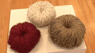 """L'exposition """"De fils ou de fibres"""" au Centre d'art contemporain de Meymac  (France 3/ Culturebox)"""